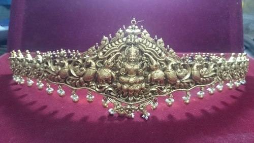We are instrumental in manufacturing Nagas Jewellery, Antique Jewellery, Kempu Jewellery and Traditional Jewellery. The offered products are available at cost effective rates.
