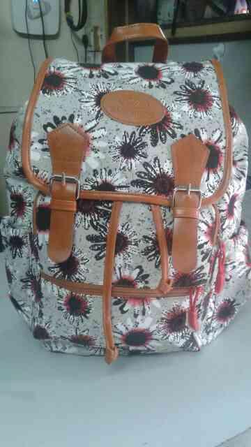 Girls college bag manufacturer in pune