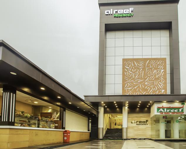 Alreef Residency Kodambakkam Chennai,   The hotel is located in a centre part of chennai. It is a best location for those who arrive in chennai for pleasure and business. Only a few kilometres from the hotel is the Airport, IT Corridor, Marina Beach, Chennai Trade Centre, US Consolate, T.nagar Shopping, Important Shopping Malls, Multiplexes and Recreation Clubs.