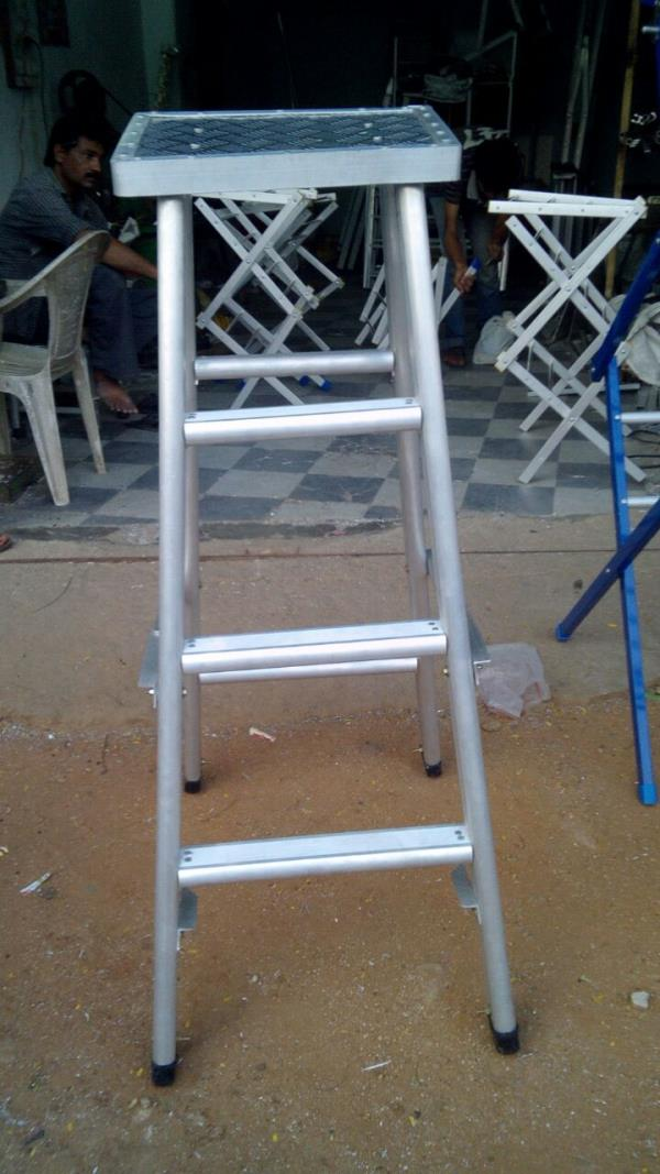 We make a world-class range of Aluminium Ladders in our huge infrastructural facility. These conform to international quality standards and are made of high-quality materials of construction. These are available in different sizes, designs and as per clients' specifications.We supply all type of aluminium Ladders in banjara Hills