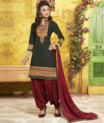 fashion stores chandigarh  Sco 41 Main Market, +91 9815587586 +91 9779447589, Sector 21c, Chandigarh - 160022, Opposite Government School (Map) Ladies Suit Wholesalers Fashion Designers Ladies Kurti Retailers Fashion Designer For Ladies Wear Bridal Lehenga Retailers Fashion Designer Stores Designer Ladies Kurti Wholesalers Ladies Suit Designers Our range of products include Bollywood Salwar Suit, Designer Suits, Fancy Salwar Suit, Floral Printed Salwar Suit, Full Length Printed Salwar Suit and Green Salwar Suit.