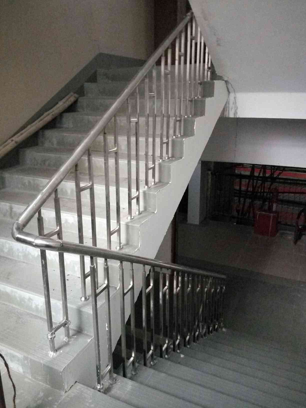 Stainless Steel Railing installed and manufacture of various sizes and shapes.