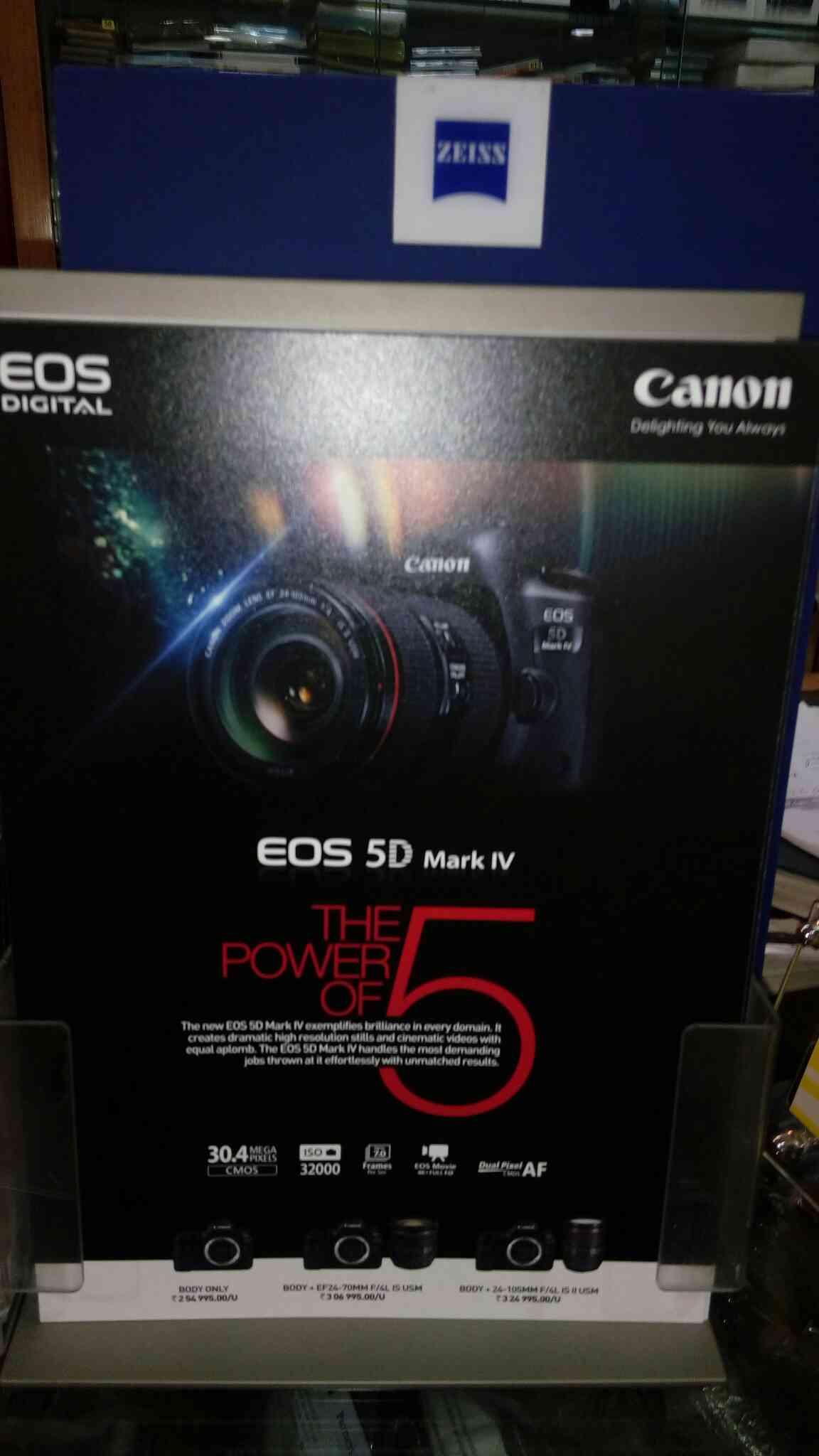 exclusive camera store in central Bangalore   brand Nikon sony