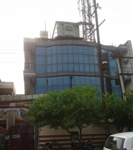 An Approved Furnished Office Space Area 1500 sq ft Available for Rent in Sector 64 Noida Rent Price of Rs. 90, 000/- For further details feels free to call Mr. Jatinder Singh Taneja 9810025287 and write to us jkc25287@gmail.com  - by JKC - Next Generation Realtors , South Delhi