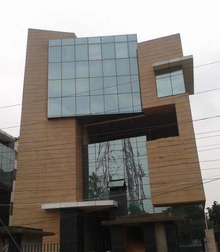 An Approved Office Space Area 4000 sq ft Available for Rent in Sector 4 Noida Rent Price of Rs. 200000/- per month.  Power back up, Lift Basement for 25 car parking For further details call Mr. Jatinder Singh Taneja 9810025287 and write to  - by JKC - Next Generation Realtors , South Delhi