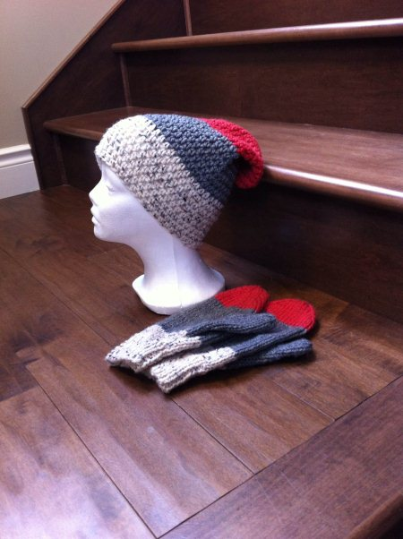 Large adult hat..$20 Matching large mittens..$20 - by Lynnsknits, Greater Sudbury Division