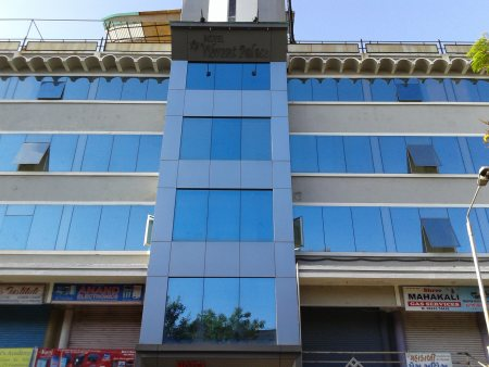 Hotel in Ahmedabad Near By S.G Road Hotel in Ahmedabad Near By G.M.D.C Hall Hotel in Ahmedabad                              - by Hotel Vibrant Palace, Ahmedabad