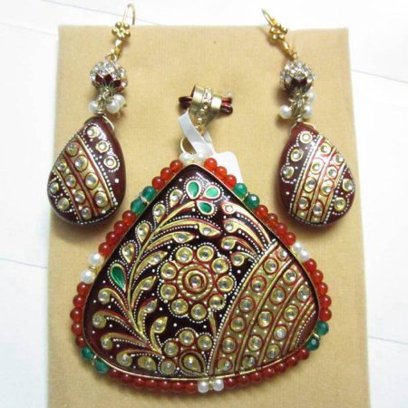 We are having widest range of Art Jewellery. - by Shah Art Jewellery, Ahmedabad