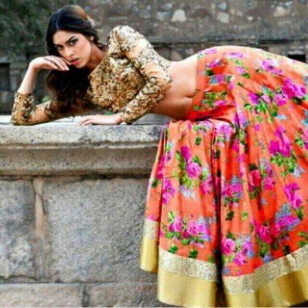 lahenga with jardosi golden - by Gathari Thr Fashion Bound, Ahmedabad
