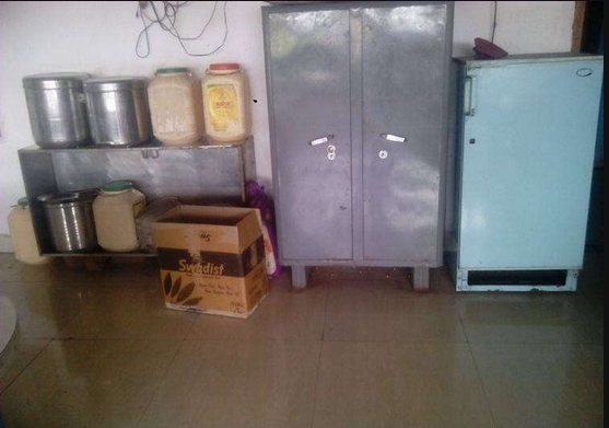 Girls Hostel With lunch and dinner facility..  - by Mahak Girls Hostel, Indore