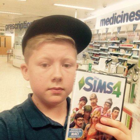 Start of sims 4 series 🍀 - by Dan33y Andrew Sims 4, Birmingham