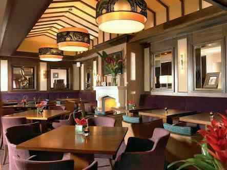 best interior designer of restaurant in Indore - by Aeon Interiors, Indore