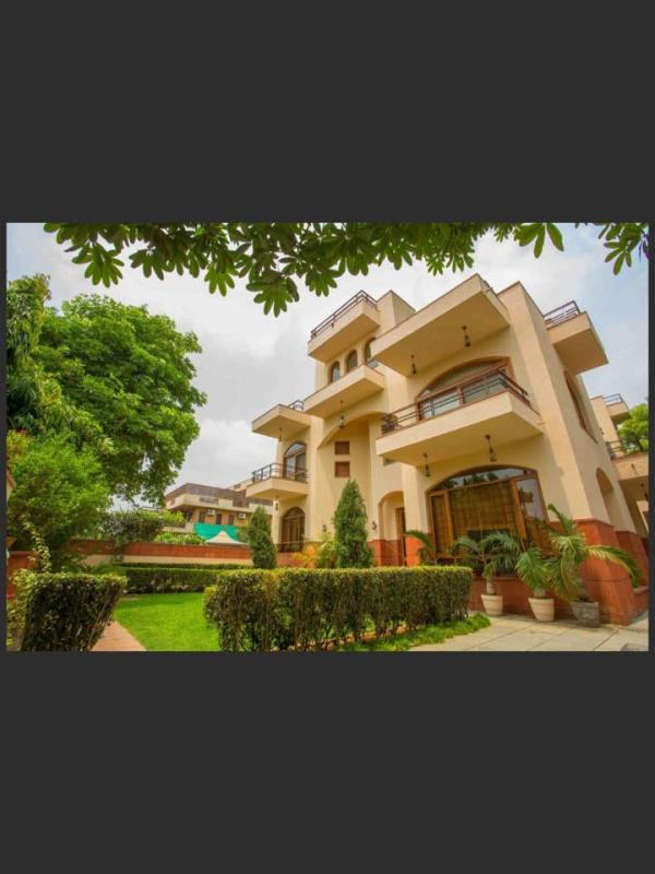 Budget hotel in Gurgaon   Feel the paradise in the heart of Gurgaon with a beautiful home stay  - by Book Affordable space  @Vision Residency 9718018035, Gurgaon