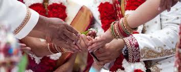 આજના મોંઘવારી ના સમય માં લગ્ન જેવો પ્રસંગ કરવો એ નાના અને માધ્યમ વર્ગ ના લોકો માટે ખુબજ મુશ્કેલ બની જાઈ છે.જયારે આજે લોકો માં આવા મોંઘવારી  ના સમય માં નાણા અને સમય નો બચાવ થાય તે માટે સમૂહ લગ્નોત્સવ માં જોડવા પ્રત્યે જાગૃતતા આવી છે. જયારે આ - by pooja jyotish karyalay &pooja cheriteballe trust ,jamnagar, Alta