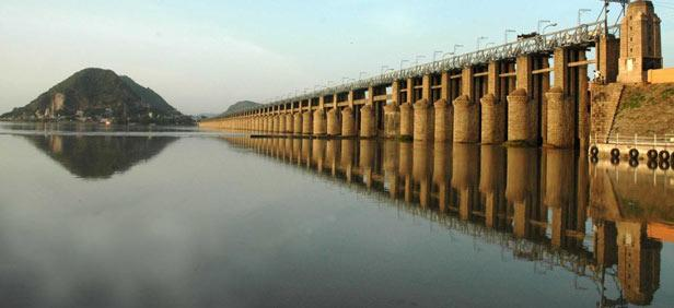 Prakasham Barrage.. Prakasham Barrage is built across the Krishna River and it is located at the outskirts of Vijayawada in Krishna District.The Barrage is 1223.56 mts long and was completed in the year 1957. The Barrage across the Krishna, - by Dindi-The Godavari, Malkipuram