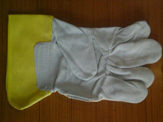 Canedian Hand Gloves - by national manufacturer, Rajkot