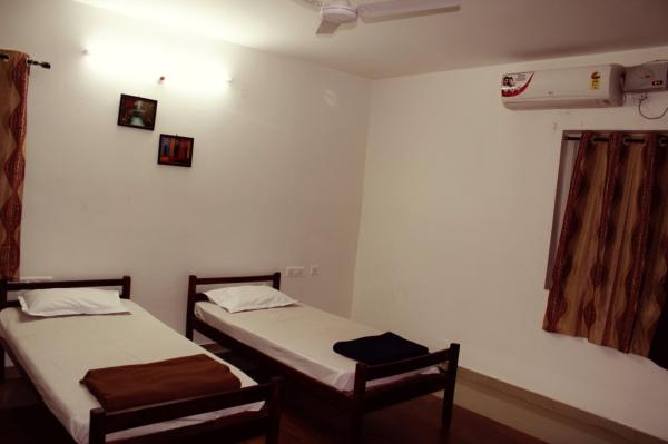 Rooms pictures - by Shresht, Hyderabad