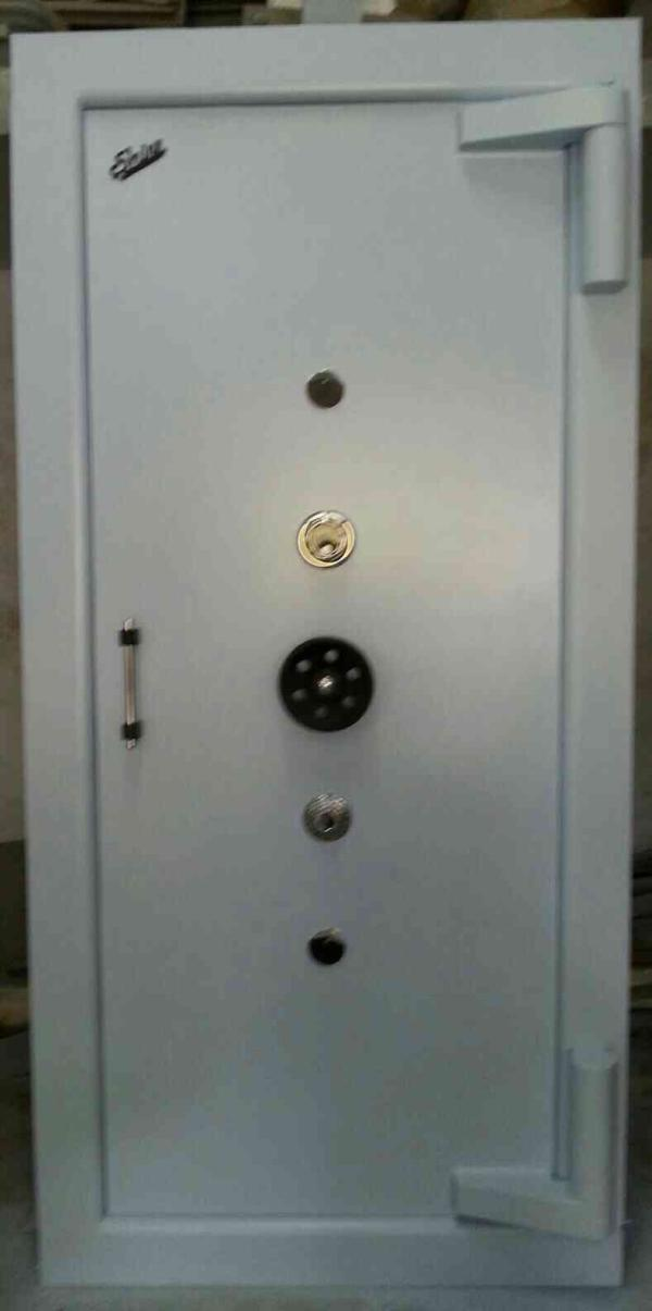 we are leading manufacturer of steel safe in gondal, Rajkot.  - by Shivam Steel, Gondal