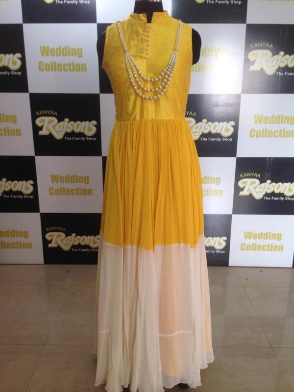Outift that will enhance ur look ur way...! Check the latest designer collection @ Kanyaa Rajsons Rd no 12 Banjara Hills/ Basheer Bagh - by Kanyaa Rajsons, Hyderabad
