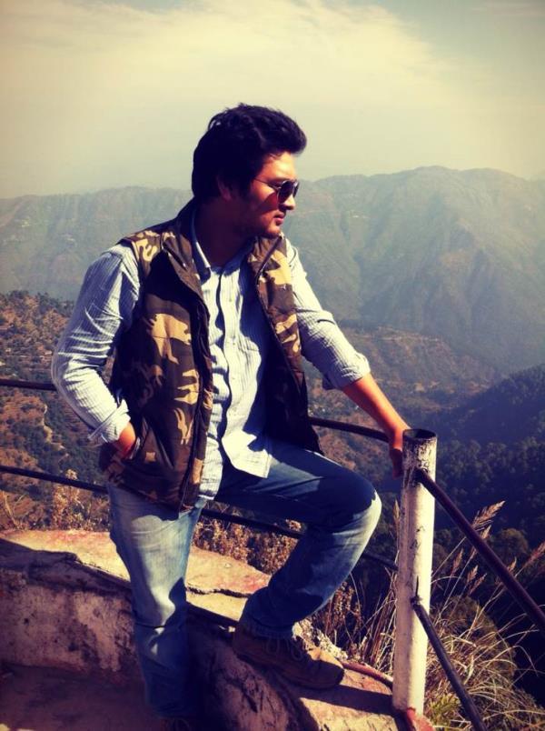 Life seems cool when u r wearing Aviators 😃 - by Rockstar, New Delhi