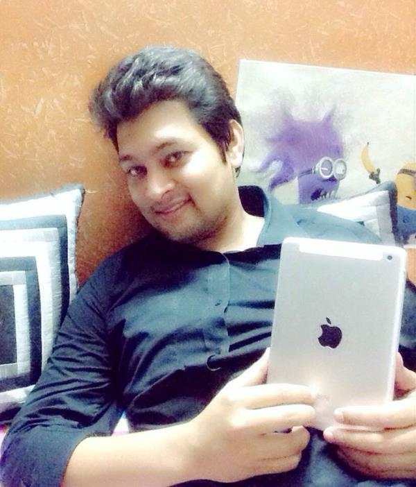 Selfie time - by Rockstar, New Delhi