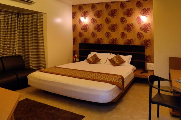 Neat & clean Rooms - by Hotel The Leaf, Aurangabad