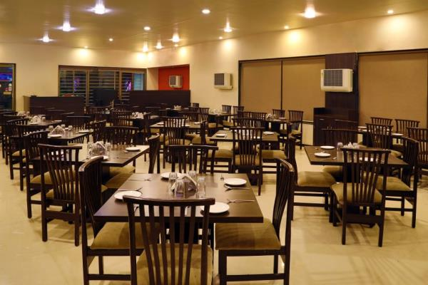 ideal place for corporate meetings, get together - by Hotel The Leaf, Aurangabad