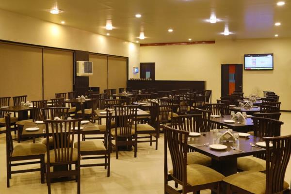 Taste the Best food in Aurangabad - by Hotel The Leaf, Aurangabad