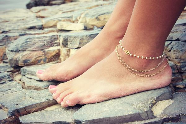 They say that the only things that Beautifies the Feet are #Anklets in which we have great Expertise where #DesignerAnklets #FashionAnklets  - by Bridal Jewelry Collection, Visakhapatnam