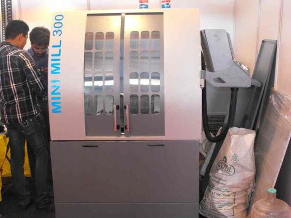 best manufacturers of mini vmc machine in rajkot - by Geometry CNC, Rajkot