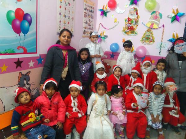 jingle bell Jingle Bell ... Jingle on the way...  Merry christmas.....  Hello Kids smile school.... - by Helo Kids Smile, Kota
