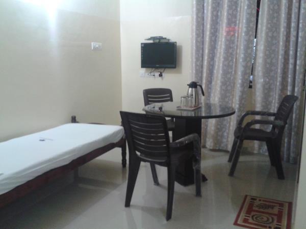 TOURIST HOME - by Hotel Saravana Vegetarian, Calicut