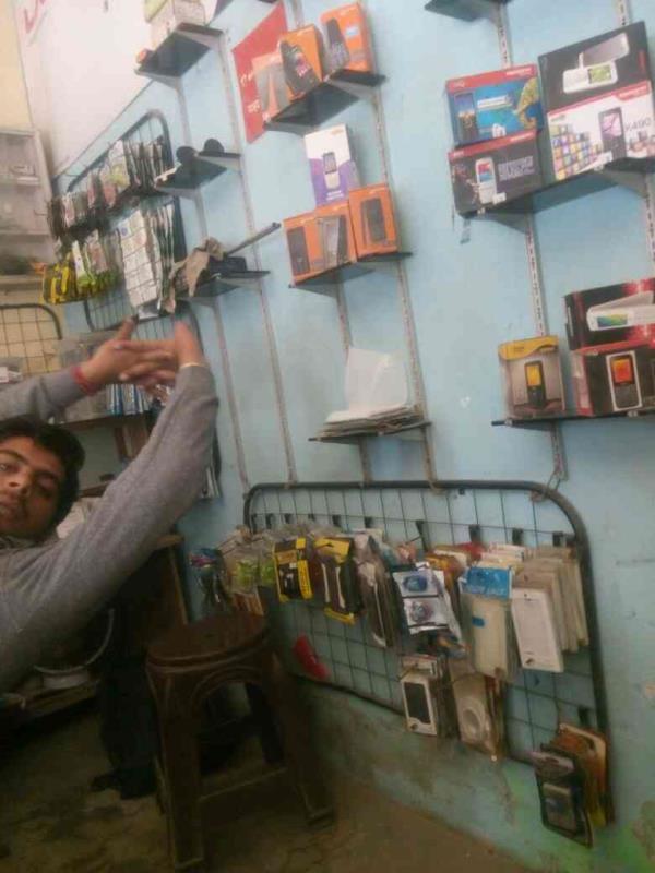 Manish mobile shop all reaparing avlable  - by Manish Telecom, Najafgarh, New Delhi