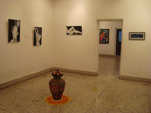 News release on MUDRAYAS ART SHOW 2013 -  http://www.newindianexpress.com/states/odisha/Blend-of-eclectic-and-the-eccentric/2013/11/09/article1880005.ece  http://article.wn.com/view/2013/11/11/Designers_brush_with_canvas_NAMITA_PANDA_A_pain - by Wonderstitch In House Brand Mudrayas, Bhubaneswar