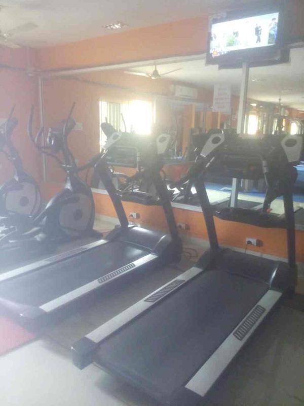 Tread mill In Lifefitness center - by Lifefitness 8148004200, Dindigul