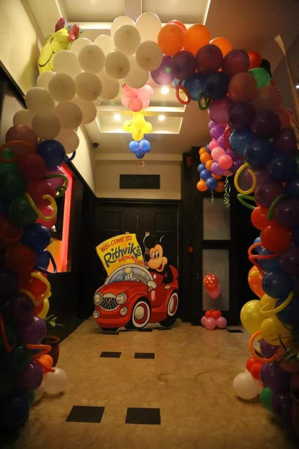 Ballon decoration in chandigarh Ballon decoration in mohali Ballon decoration in panchkula Biggest parties on world takes care of all the requirements and creates a one of a kind experience in the mind of people. Biggest parties on world se - by The Biggest Parties In World, Chandigarh