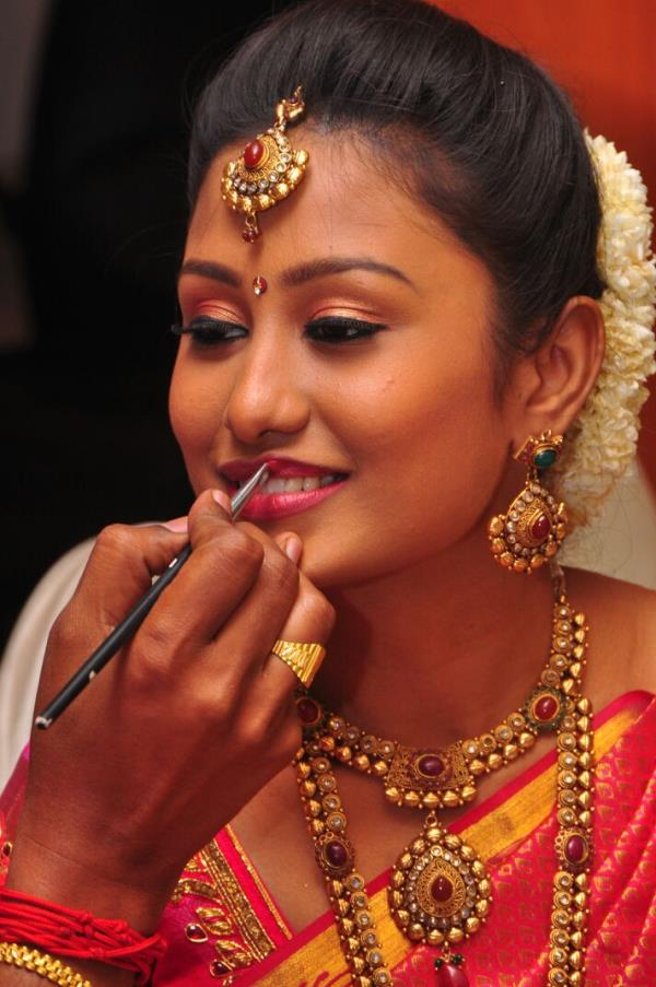 Indian Bridal Makeup And Hairstyle You - Mugeek Vidalondon