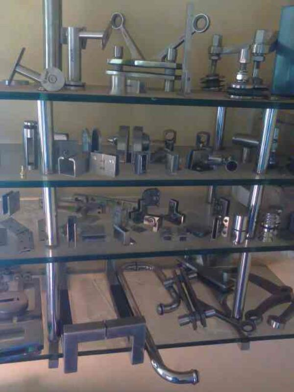 Glass Fitting Manufacturers in Rajkot - by Shri Hari Steel Hardware, Rajkot