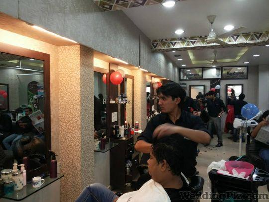 I tream Unisex Saloon is the only saloon in Vasundhara which gives you the best suggestion to take care of your skin hair and face skin. We are not only doing our job with perfection but make customer satisfied with our products too. We are - by I Trim Unisex Saloon, Ghaziabad