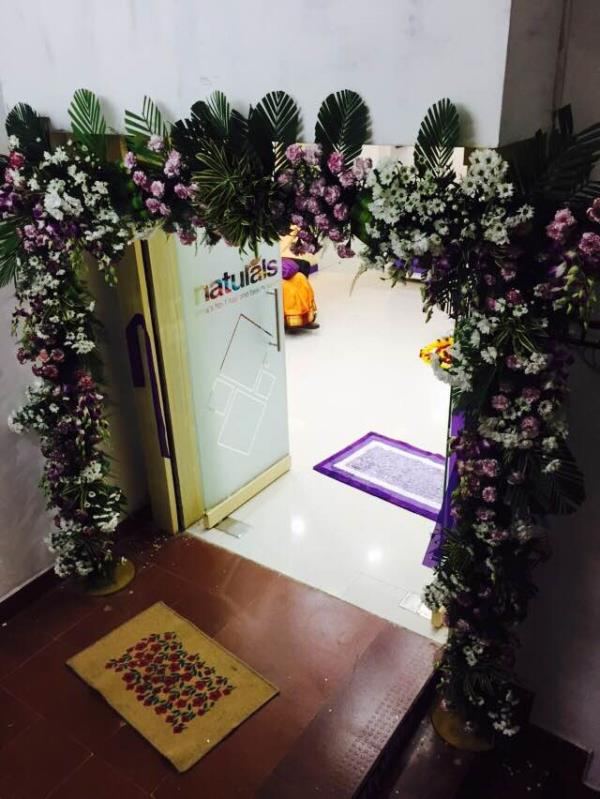 entrance arch with orchids and carnation flowers  - by Samprathaaya , Dindigul