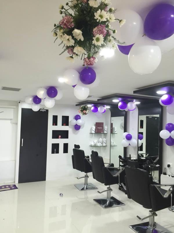interior deco done with purple and white theme  - by Samprathaaya , Dindigul