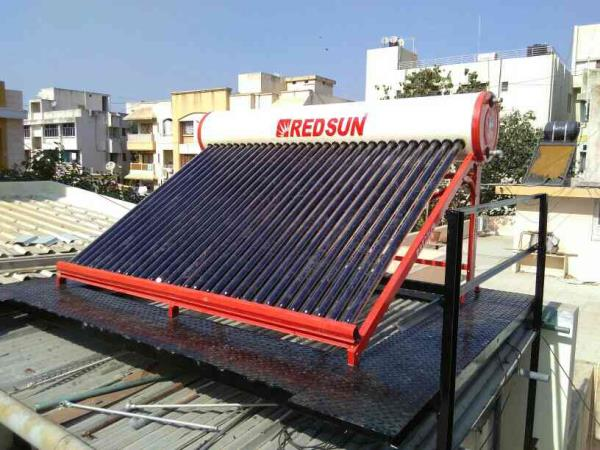 we are Manufacturer and Supplier of solar Water Heater In Rajkot - by Redsun Solar Industries, Rajkot