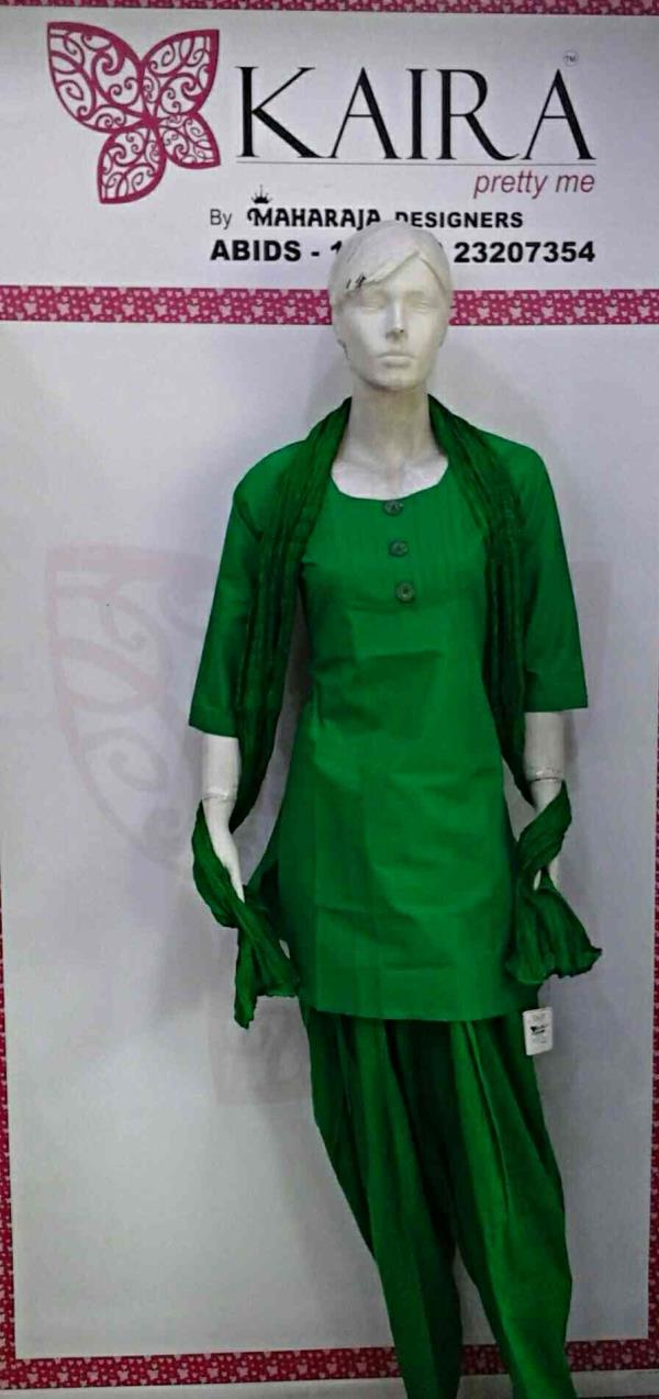 KURTI ( COTTON  SHORT KURTI )  Blue Green red, white, black,  M & L & XL & XXL  MRP = 430 / - ONWARDS  patayala ( cotton patayala )  red, blue, black, white, pink, Peach, Yellow. parpal. oringe. mahroon, C. GREEN, sky. blue,  Freesize  MRP  - by Kaira abids , Hyderabad