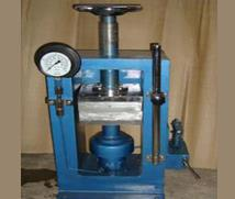 Hydraulic Press With Heating Plate with Digital Temp. - by powertec electro control, new delhi