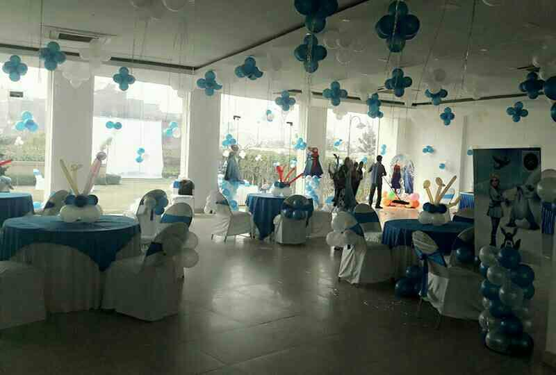 """Some people are worth melting for"" ~ Frozen the movie Frozen and more Birthday Themes Contact us now