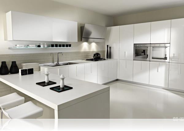Best interior designs  Kitchen designer in Model Town Kitchen designer in Delhi  - by Hp Interio, Delhi