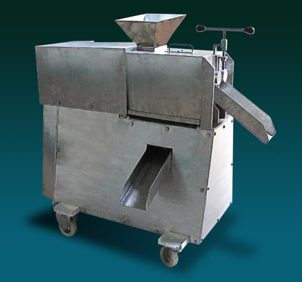 Double screw juice expeller  Double screw juice expeller is used for continuous extraction of juice from leaves, roots, stem, coconut and fruits. The raw material fed between two screws rotates in opposite directions which results in the e - by Sri Ganesh Mill Stores, Coimbatore
