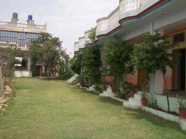 In tha garden  - by Amardeep Resort & Marriage Garden, Ajmer