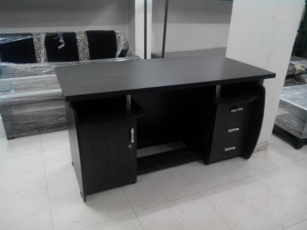 Office Table - by Standard Furniture, Himatnagar