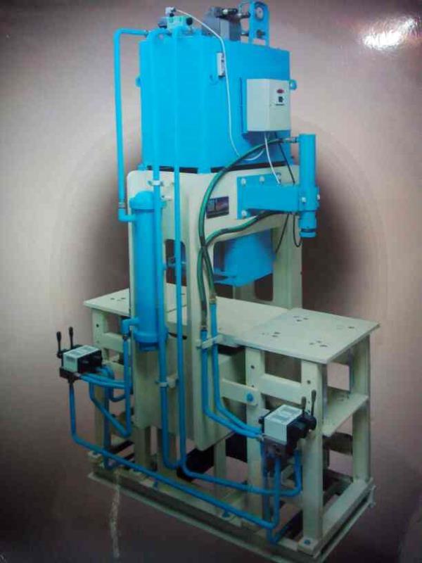 Paver block machine - by Balambika manufacturing works, Morvi